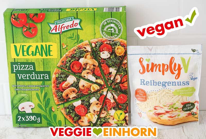 Eine Packung Pizza Verdura von Lidl und eine Packung Simply V Reibegenuss