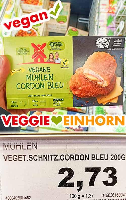 Eine Packung tiefgekühltes Mühlen Cordon Bleu im Supermarkt