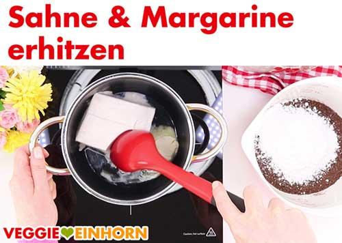 Vegane Sahne und Margarine erhitzen