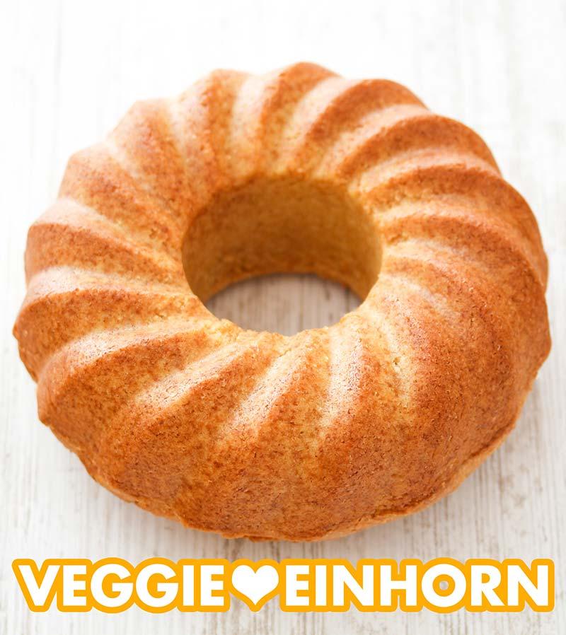 Ein veganer Eierlikörkuchen ohne Glasur