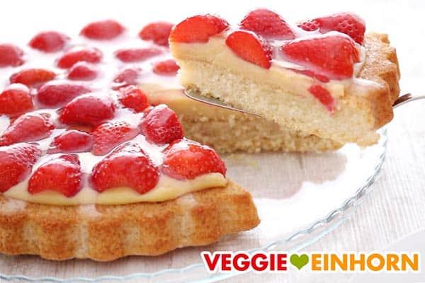 Veganer Erdbeerkuchen mit Pudding
