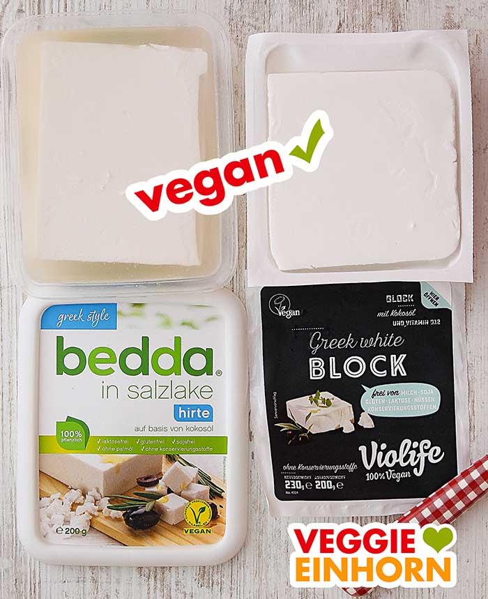 Zwei geöffnete Packungen veganer Feta