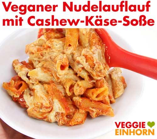 Veganer Nudelauflauf serviert auf Teller