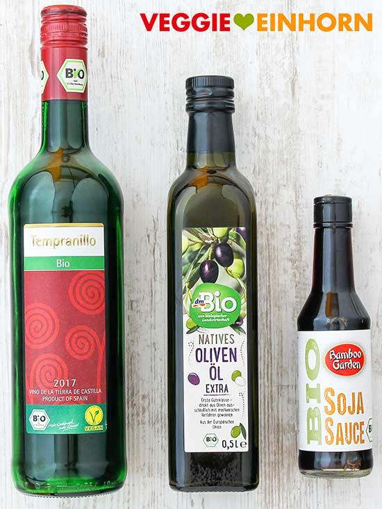 Rotwein, Olivenöl. Sojasoße