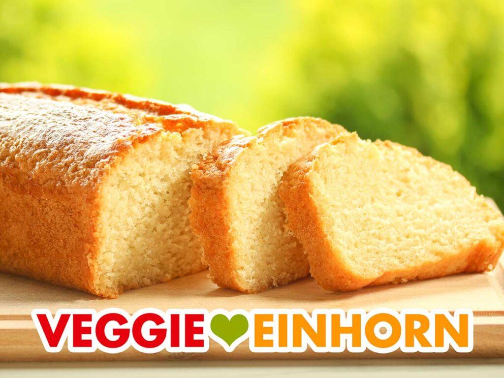 Ein veganer Rührkuchen mit Öl aus der Kastenform