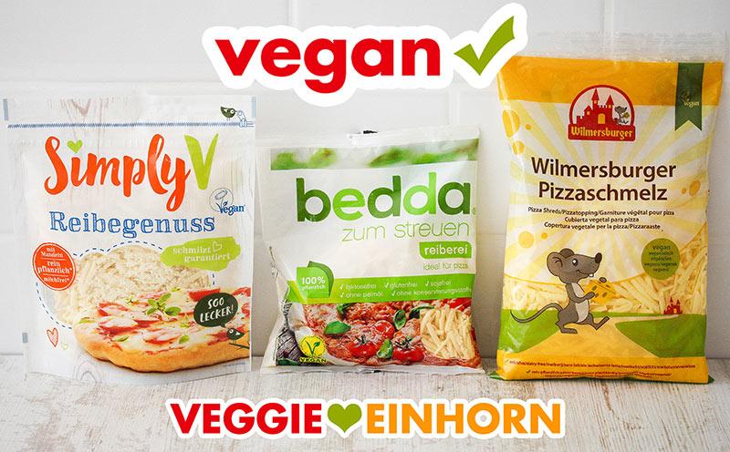 Drei Packungen mit veganem Reibekäse