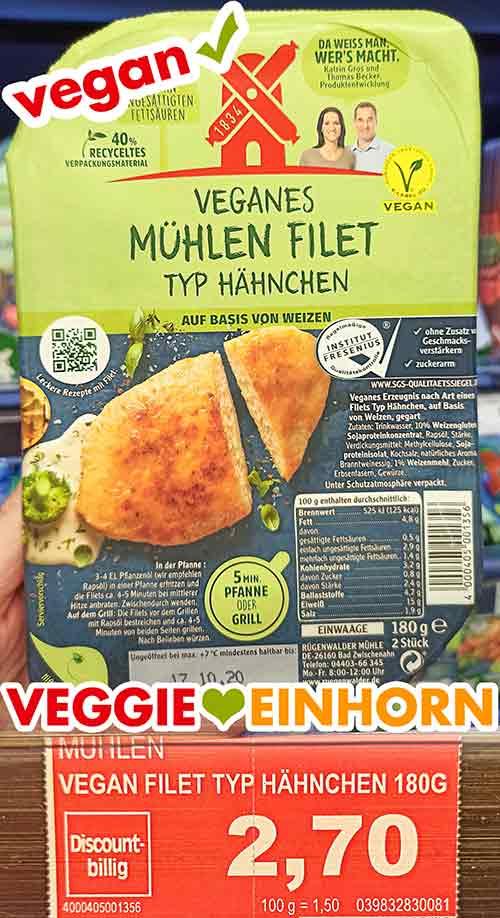 Eine Packung veganes Mühlen Filet im Supermarkt