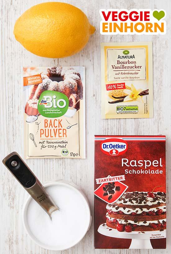 Zitrone, Backpulver, Vanillezucker, Salz, Raspelschokolade