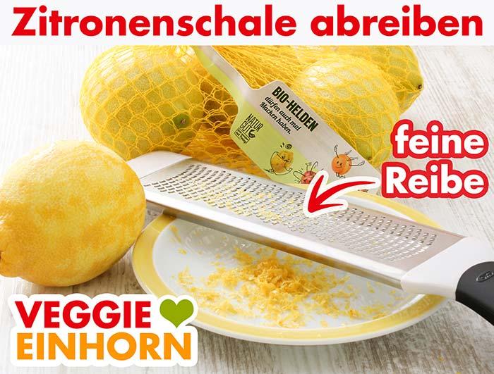 Eine feine Reibe, Zitronen und abgeriebene Zitronenschale