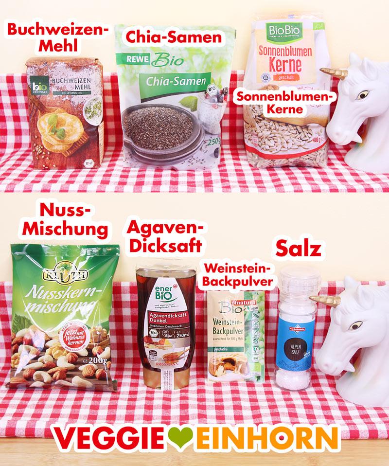Buchweizenmehl, Chia, Sonnenblumenkerne, Nüsse, Agavendicksaft, Backpulver, Salz