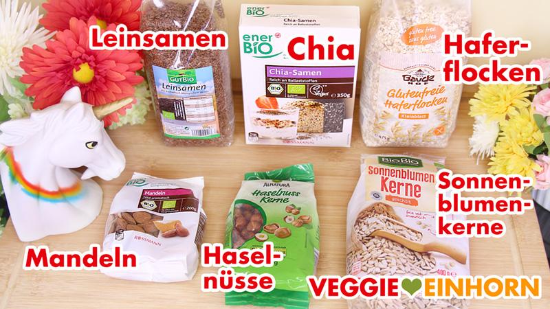 Leinsamen, Chia, Haferflocken, Mandeln, Haselnüsse, Sonnenblumenkerne