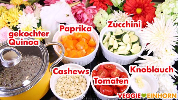 Gemüse, gekochter Quinoa und geröstete Cashewkerne