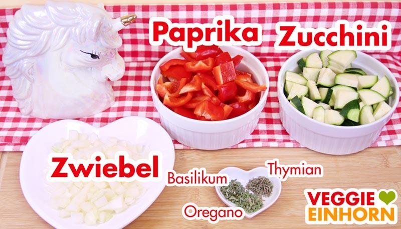 Paprika, Zucchini, Zwiebeln und Gewürze