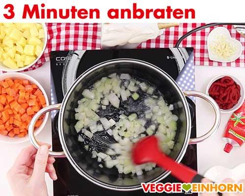 Zwiebeln 3 Minuten anbraten