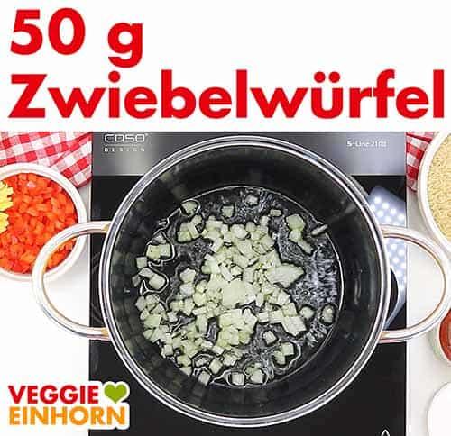50 g Zwiebelwürfel zufügen