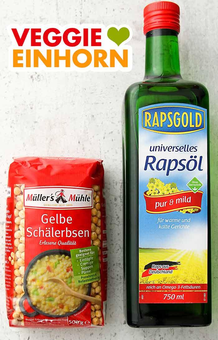 Eine Packung Gelbe Schälerbsen und eine Flasche Rapsöl