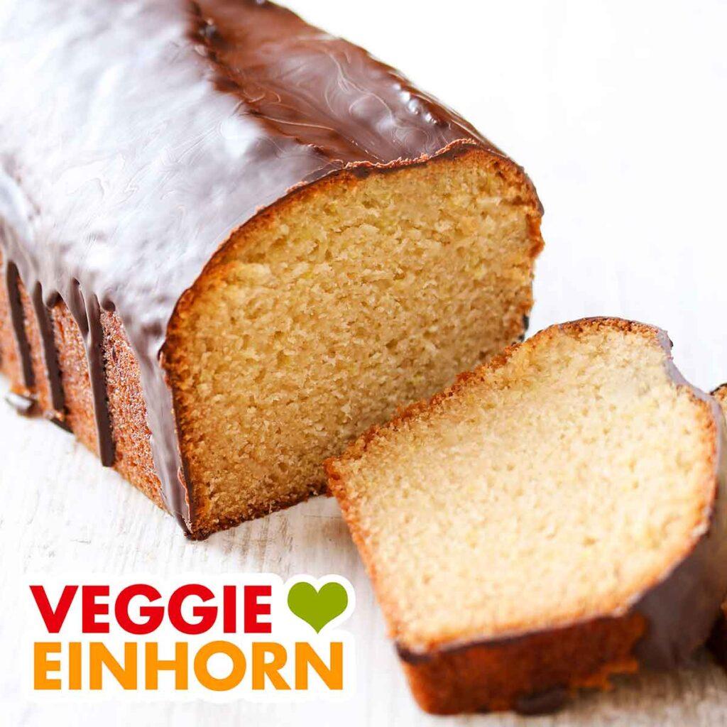 Veganer Rührkuchen mit Marzipan