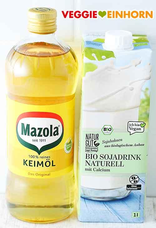 Eine Flasche Öl und eine Packung Sojamilch