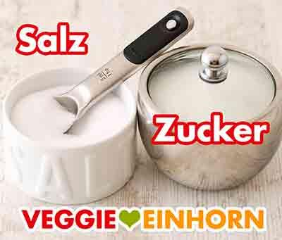 Ein Salztopf und eine Zuckerdose