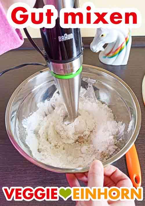 Veganen Mascarpone und Zucker gut mixen