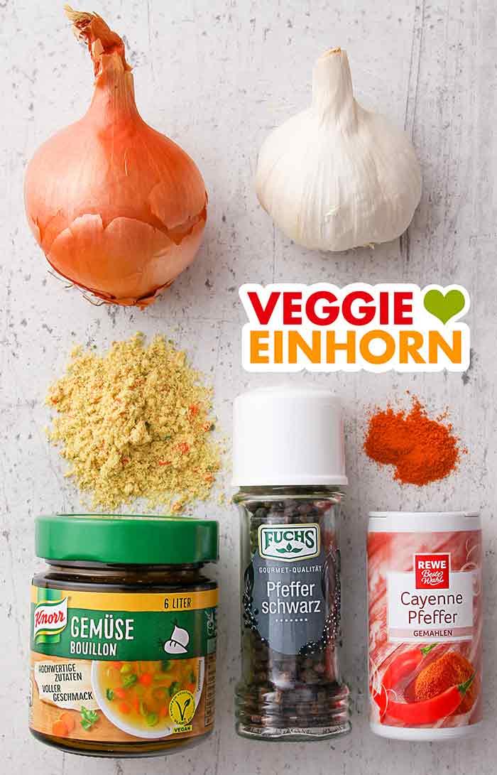 Zwiebel, Knoblauch, Gemüsebrühe Pulver, Pfeffer, Cayennepfeffer